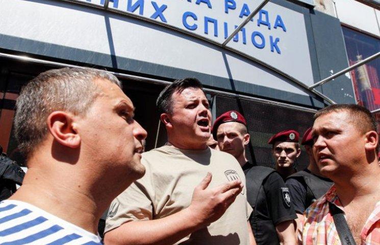 """Навіщо Мосійчук та Семенченко лізуть битися за """"Торнадо"""""""
