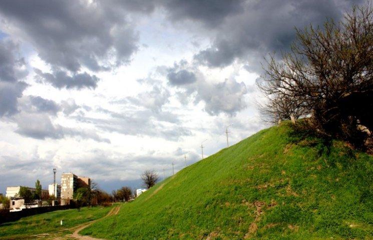 У Хмельницькому очікується хмарна, проте суха погода