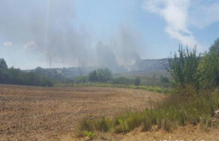 З Хмельницького сміттєзвалища тягнеться дим