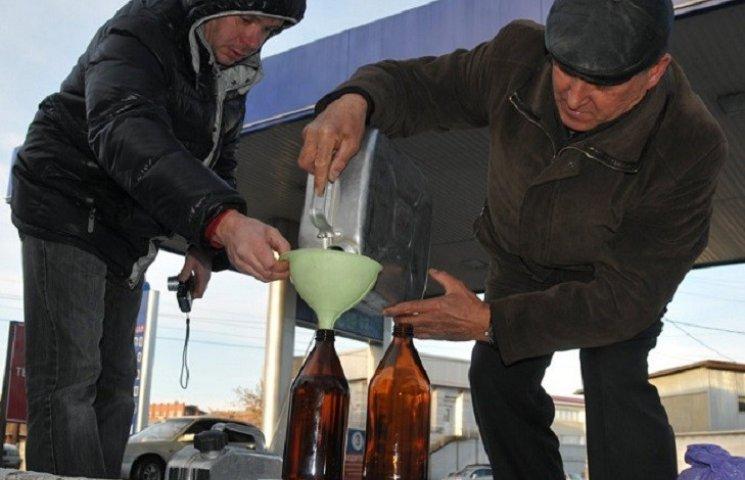 Фіскальники Хмельниччини виявили незаконну реалізацію дизельного пального