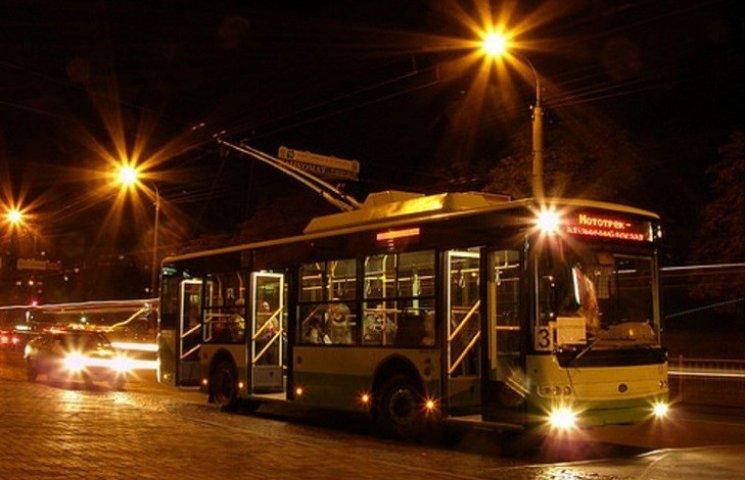 Хмельницькі тролейбуси в ніч з четвертого по п