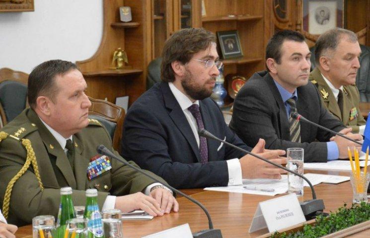 Ще двоє європейських спеців із пострадянської оборони готуватимуть ЗСУ до НАТО
