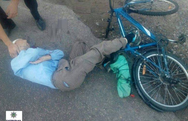 У Миколаєві 62-річний чоловік ледь не помер, втративши свідомість посеред вулиці