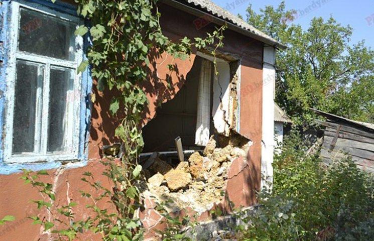 На Запоріжжі бронемашина Нацгвардії протаранила житловий будинок