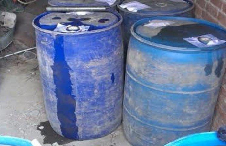 Податківці Хмельниччини вилучили близько двох тисяч літрів спирту