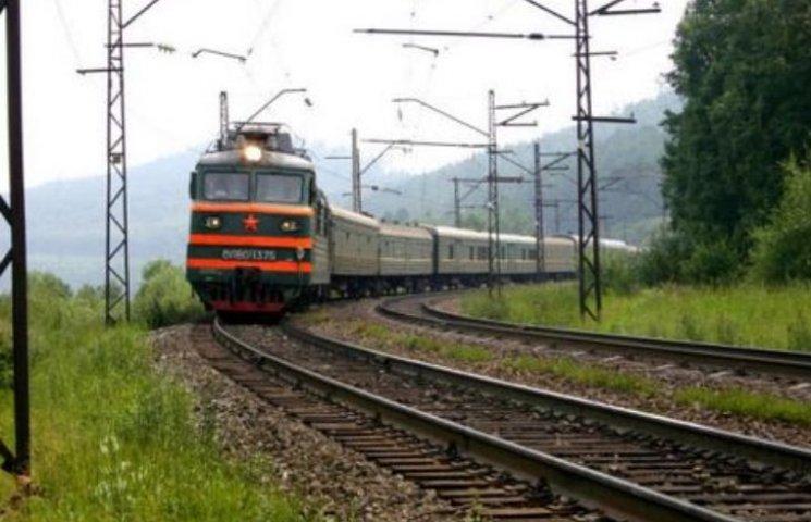 У Миколаєві жінка кинулась під поїзд