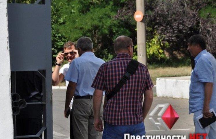 Ляшко в сопровождении камер Ахметова приехал на николаевский завод Новинского