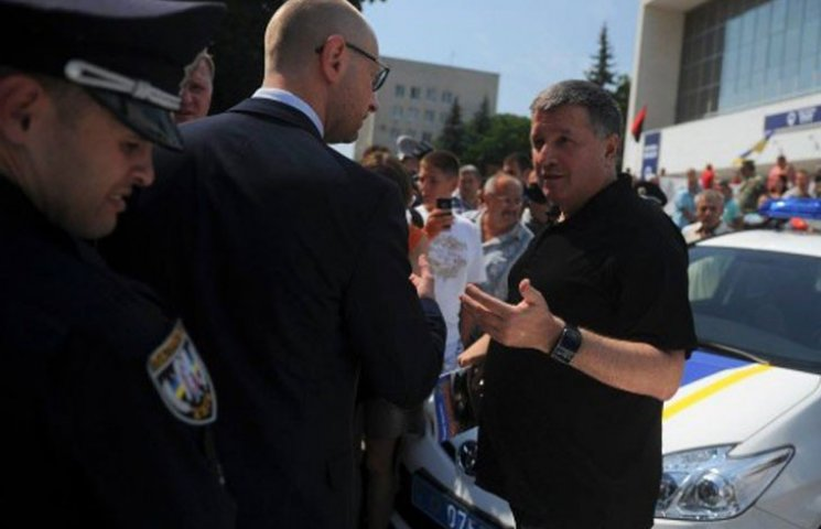 "Как Левочкин помог ""отбеливаться"" Яценюку"