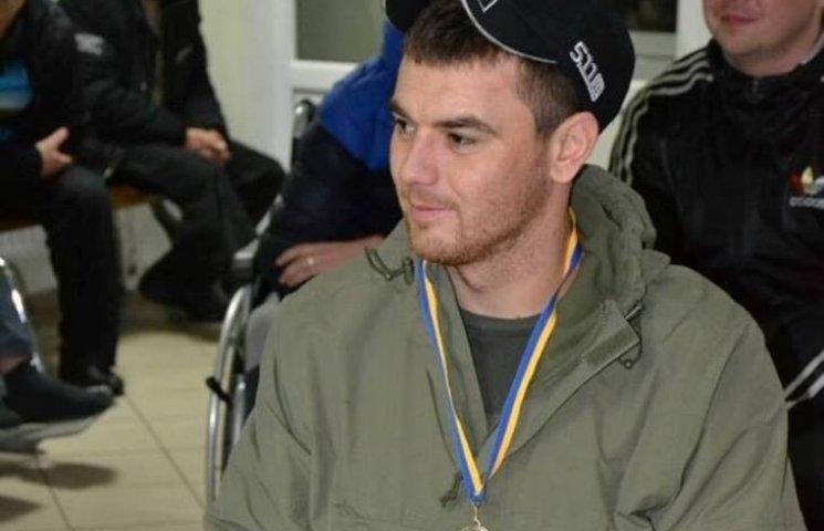 Миколаївський десантник попри прогнози іноземних лікарів почав ходити