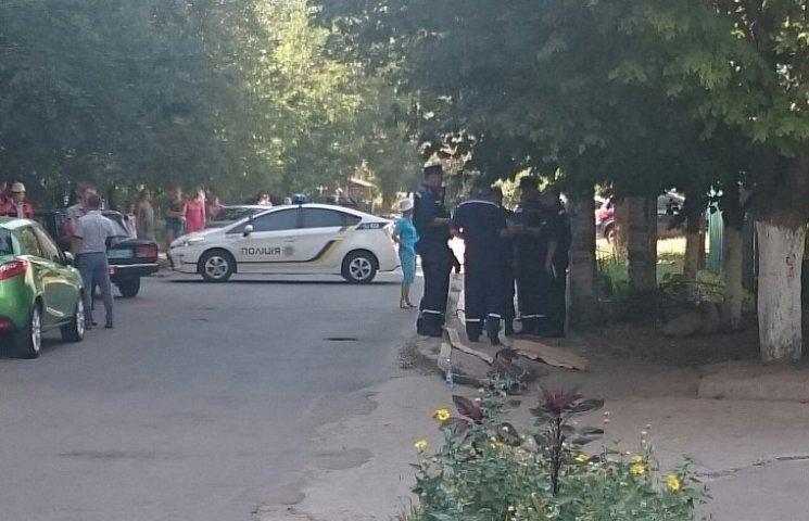 В центре Николаева угрожают взрывом 16-этажки