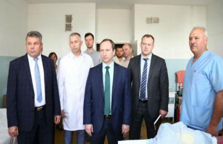 На Харьковщине аптеки при больницах должны предоставлять скидки для ветеранов, участников АТО, - Райнин