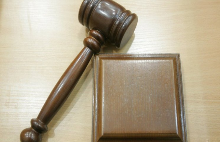 """На Хмельниччині комунальники потратили мільйон гривень на """"лівих"""" юристів"""