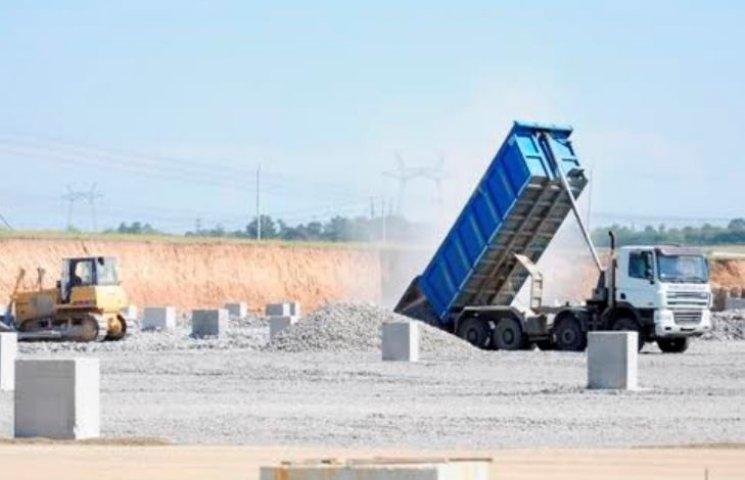 На Южно-Українській АЕС почали заливати бетоном величезний бризкальний басейн