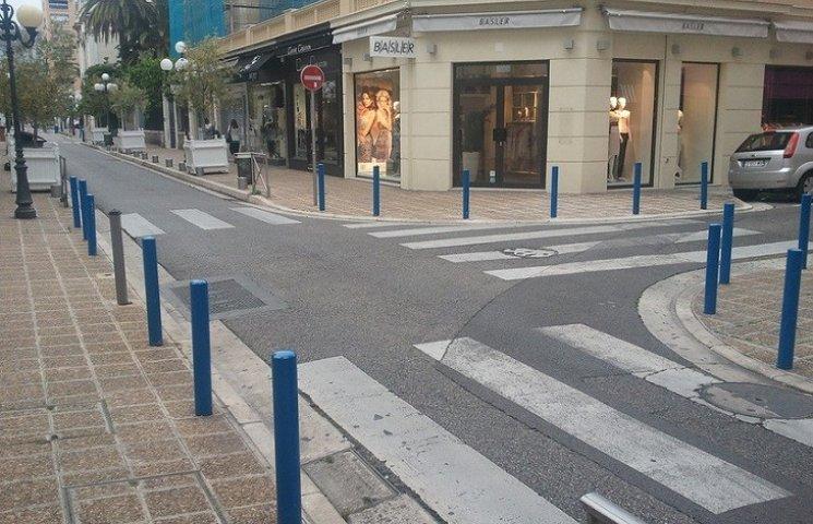 Захисту на зупинках вимагають кам