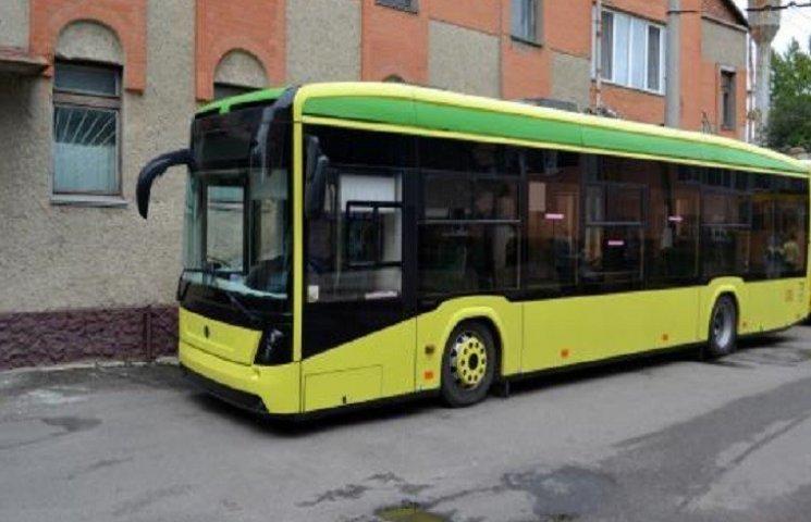 "Три новеньких ""Богдани"" оновили тролейбусний парк Хмельницького"