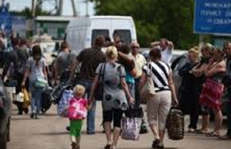 """На Хмельниччині цілодобово діє """"гаряча лінія"""" для переселенців"""