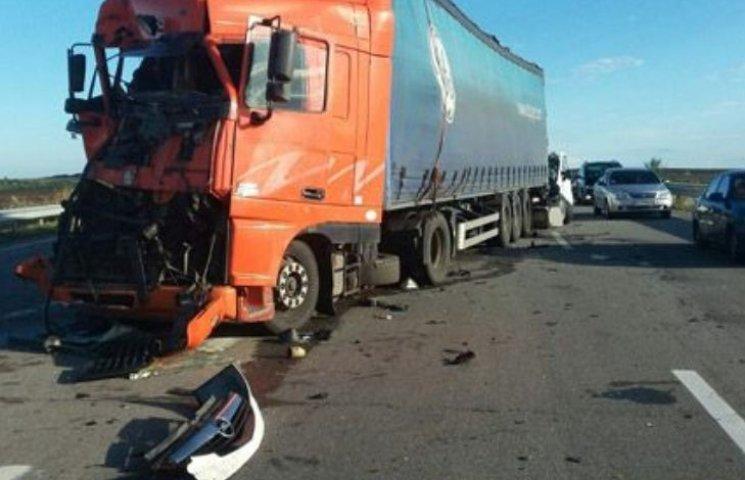 Водій DAF з Чернігова, що став учасником жахливої ДТП на Миколаївщині, спровокував іншу аварію