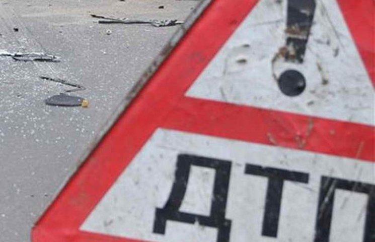 На Запоріжжі водій невстановленого авто збив мотоцикліста і втік