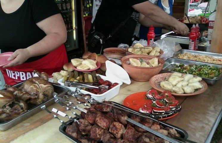 За скільки на Сорочинському ярмарку можна поїсти та випити