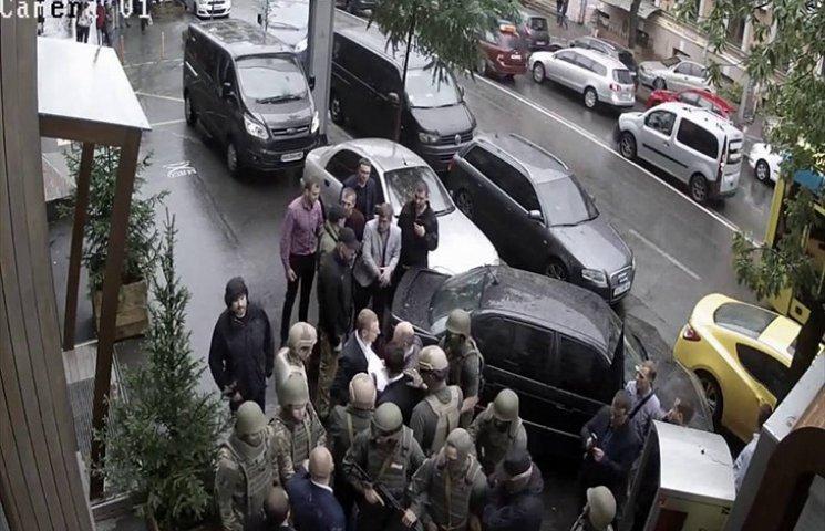 Видео дня: Драка между ГПУ и НАБУ и нацистские истерики байкеров в Севастополе