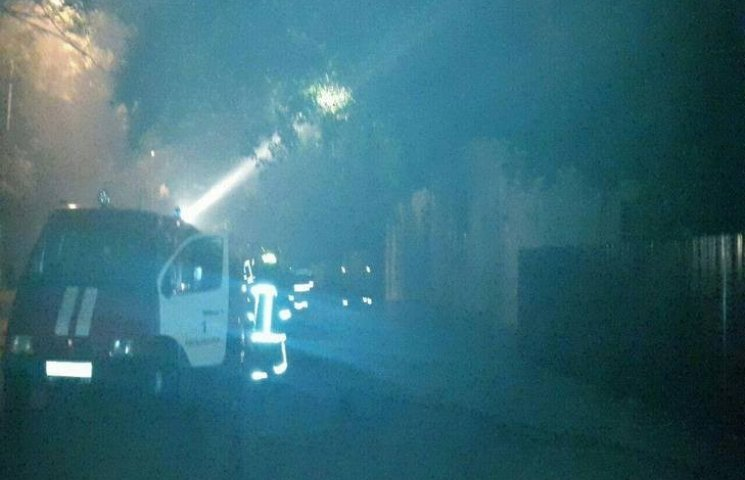 У Хмельницькому в нічній пожежі постраждала людина