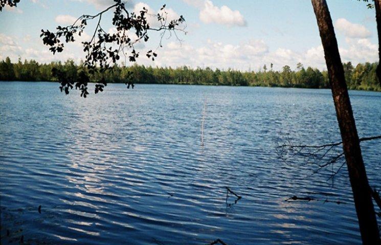 """На Хмельниччині """"прихватизували"""" шість гектарів водоймищ"""
