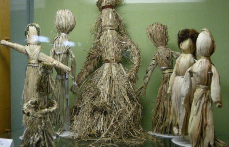 Як полтавка ляльки-мотанки з кукурудзи робить