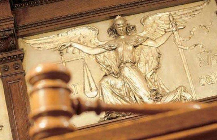 На Харківщині судитимуть матір, яка забила свою дворічну доньку через сухарі