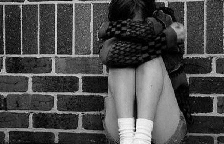На Запоріжжі гості на поминках розважилися масовим зґвалтуванням неповнолітніх