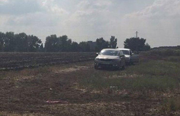 На Миколаївщині серед поля знайшли останки чоловіка, якого переїхала важка техніка
