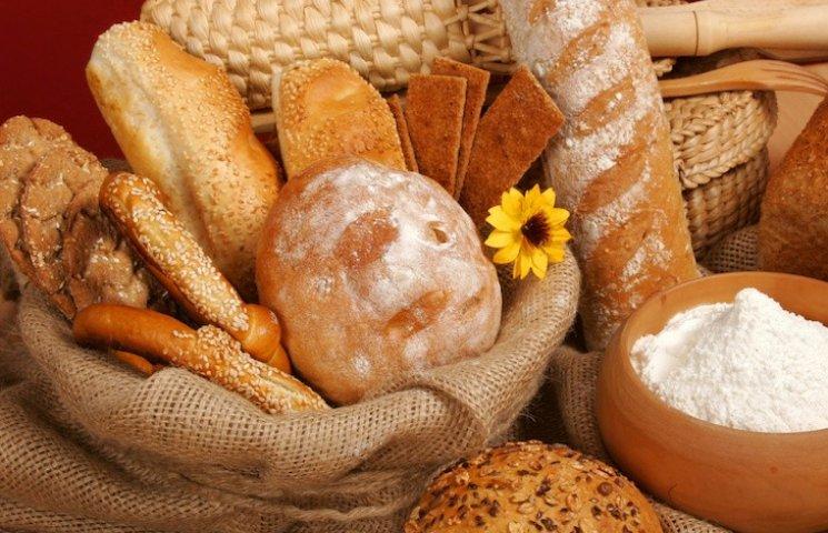 """Восени """"стрибнуть"""" ціни на цукор та хліб"""