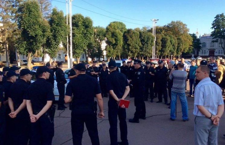 Сотні поліцейських слідкуватимуть за безпекою на Хмельниччині в свята