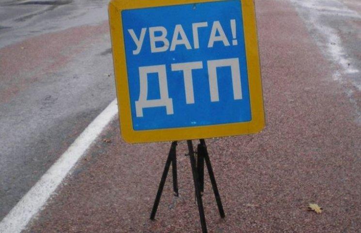 На Миколаївщині 32-річна жінка шантажувала водія, який її збив