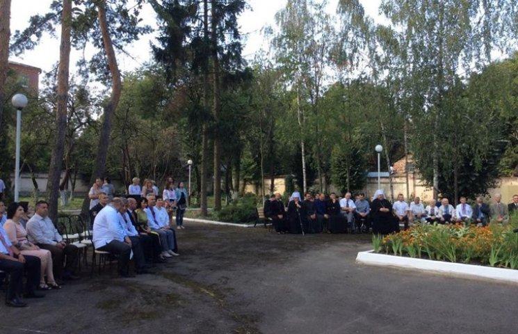 Службовці і служителі Хмельниччини зібралися на молитовний сніданок