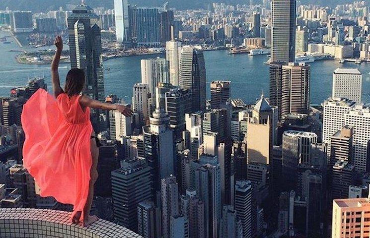 Завжди на висоті: Як 23-річна дівчина робить найнебезпечніші селфі в світі