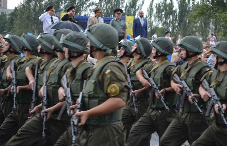 Бійці АТО пройшли парадом по центральному проспекту Запоріжжя (ФОТОРЕПОРТАЖ)