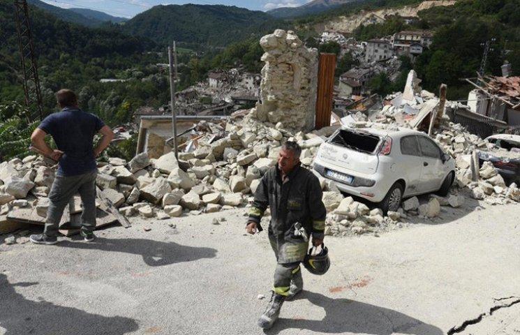 Слезы и руины: Последствия землетрясения в Италии (ФОТОГАЛЕРЕЯ)