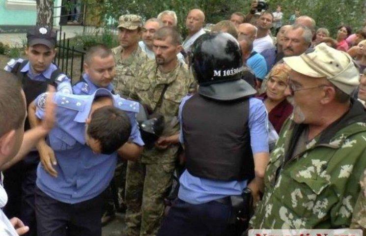 """""""Новая Врадиевка"""": стали известны имена двух полицейских, задержанных по подозрению в убийстве"""
