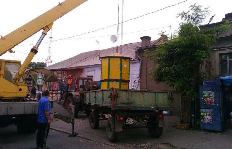 У Миколаєві демонтували ще три незаконні будки
