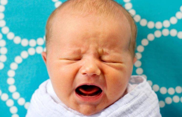 Новонароджений малюк плаче мовою матері,- вчені