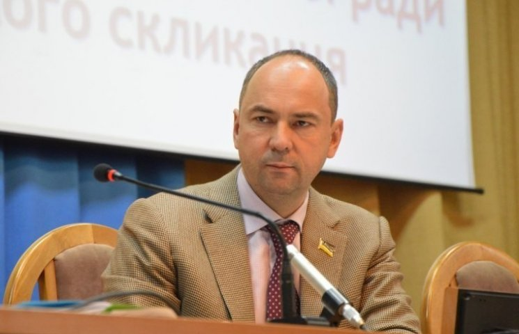Заместитель председателя Николаевского облсовета требует отставки Деканоидзе