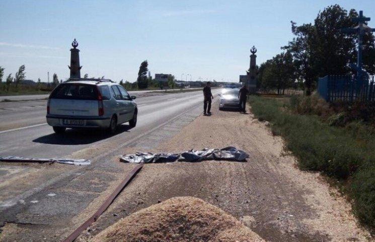 Поки у Миколаєві стріляють в бізнесменів поліція охороняє купу тирси