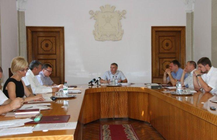 В Николаеве запретили какую-либо музыку в общественном транспорте