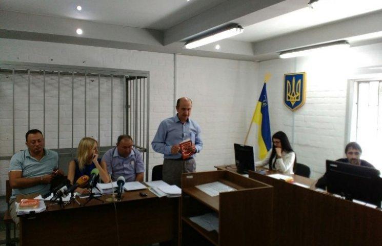"""Трое из пяти адвокатов николаевского """"Аладдина"""" требуют перенести суд"""