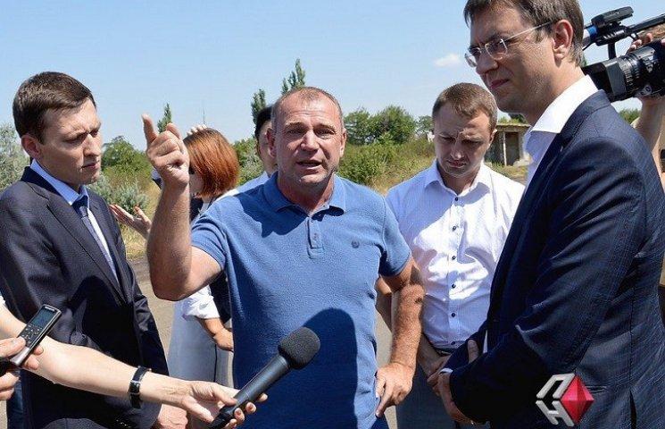 Начальник служби автодоріг Миколаївщини заявив, що нардеп вимагав у нього відкат