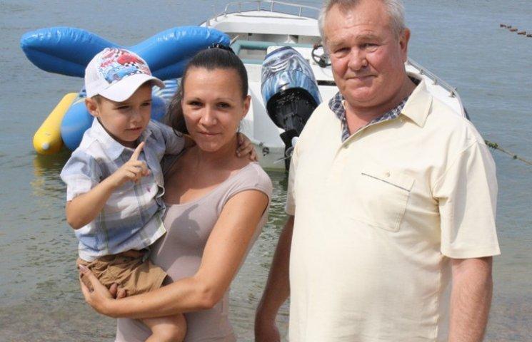 Бердянському пенсіонеру, який врятував маленького потопельника, вручили медаль