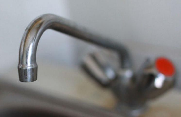 Акція від хмельницької влади: перед школою можна помитися