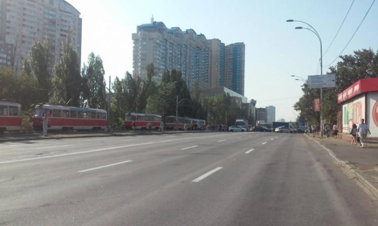 КМДА: рух транспорту наХарківському шосе відновлено