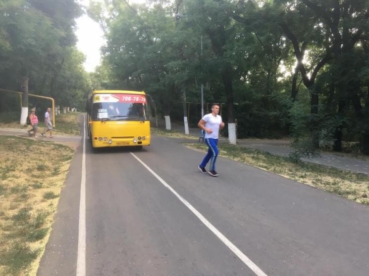 В Одесі Трасою здоров'я проїхалась маршрутка