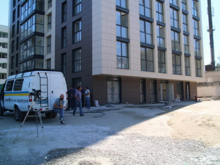 У центрі Дніпра знову стрілянина: Є загиблий і поранені